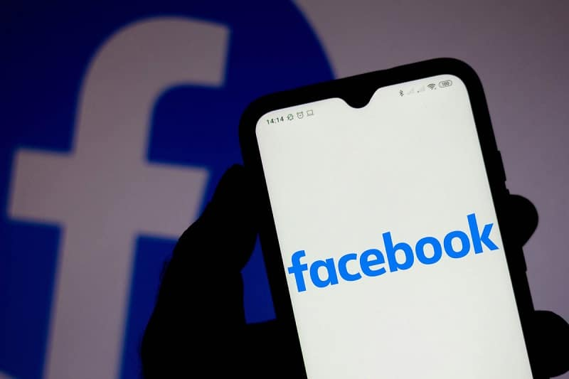 Signal attempts to showcase how Facebook or twitter records