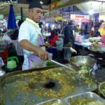 Enjoy Best Thai Foods with while traveling